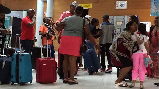 Несовершеннолетние теперь могут покидать территорию Мартиники только с разрешения родителей