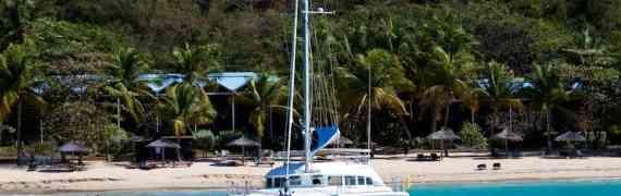 Яхта с рекламой бананов с Мартиники отправится в трехлетний круиз